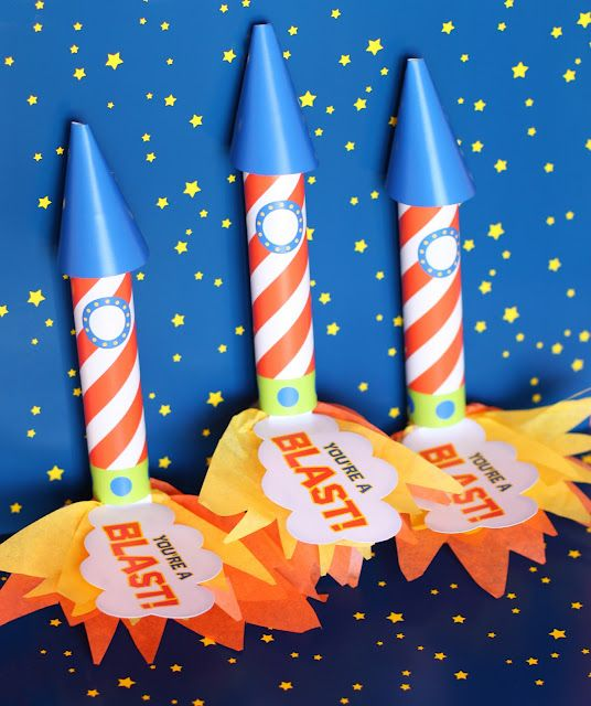 You're a blast Rolo Rockets...love this one!Classroom Valentine, Birthday Parties, Rocket Favors, Parties Favors, Parties Ideas, Valentine Rocket, Birthday Ideas, Amanda Parties, Rocket Parties