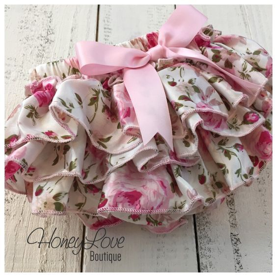 Bloomers - Pink Floral Satin Ruffles - diaper cover, ruffle butt, ruffle bottom - newborn, infant, todder, baby girl - vintage inspired de HoneyLoveBoutique en Etsy https://www.etsy.com/es/listing/250214893/bloomers-pink-floral-satin-ruffles