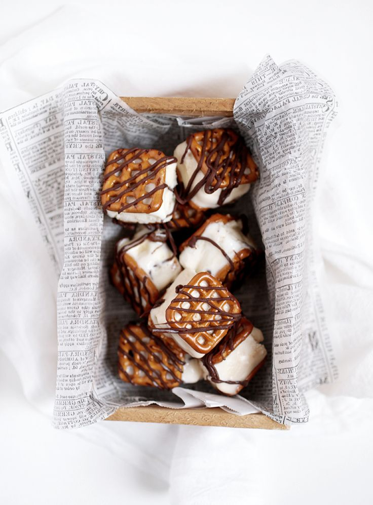 Pretzel Ice Cream Sandwich Bites