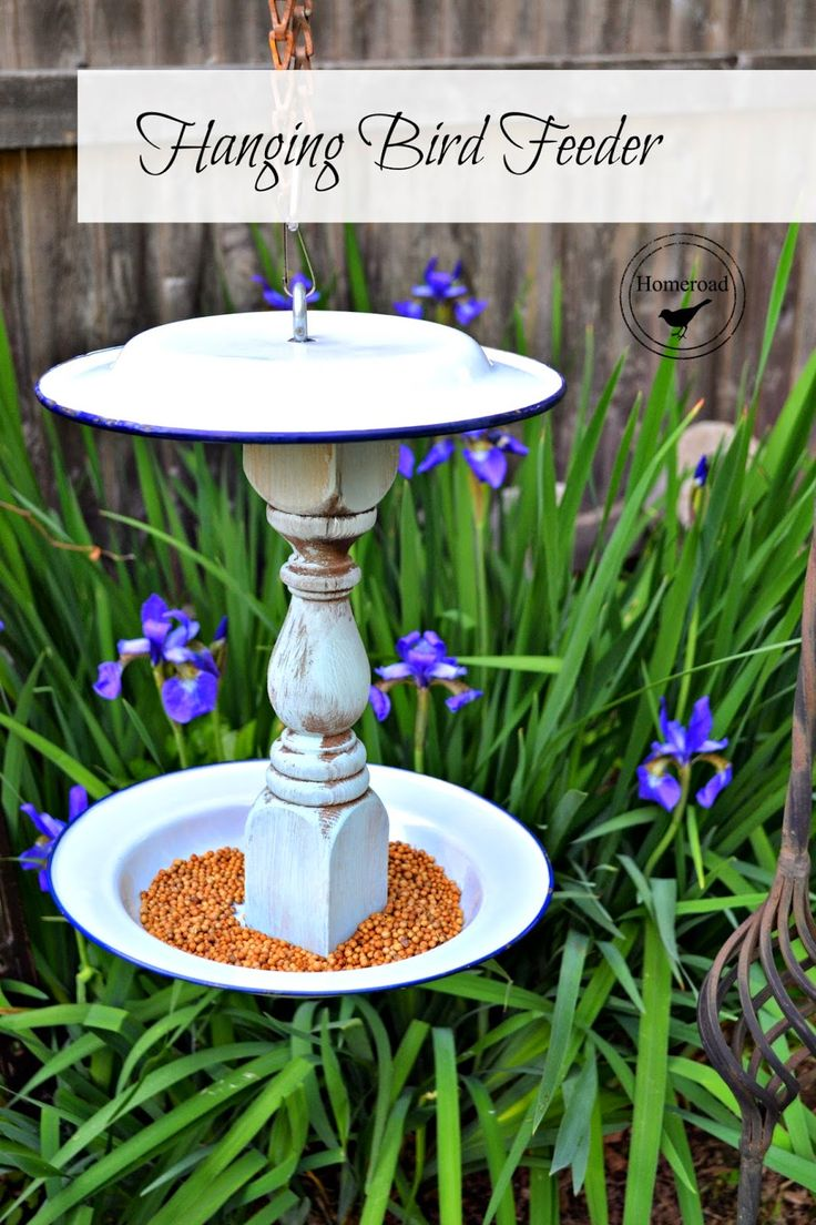 enamelware-bird-feeder-and-the-country-living-fair www.homeroad.net Looks easy enough for a DIY!