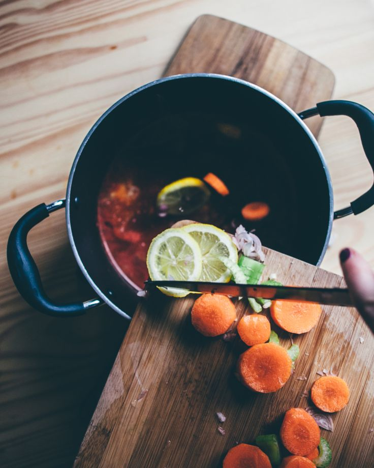 Easy one-pot Housewives Chicken recipe from Smashed Avocado blog.