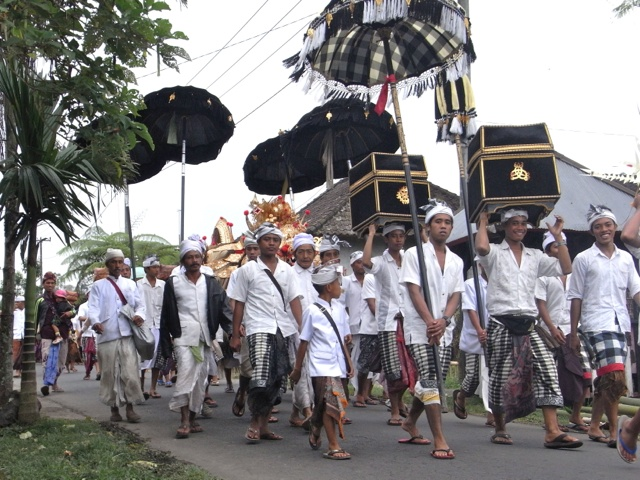 The procession for the Barong