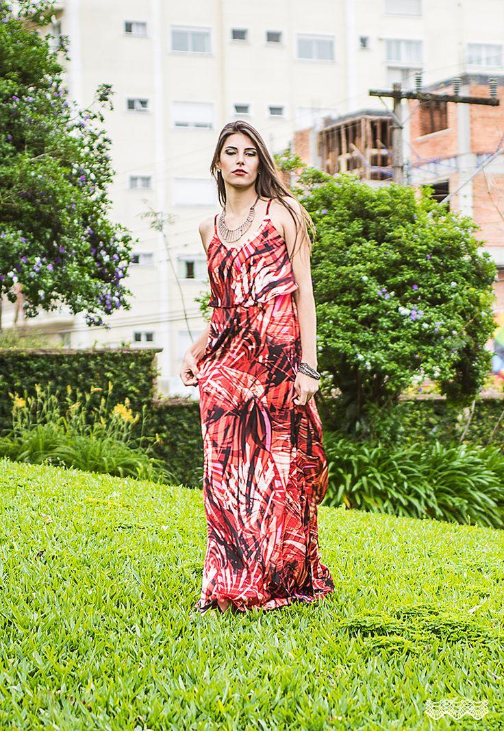 Coleção Maria Catarina primavera/verão 2015, inspirada no estilo boho, o movimento francês da década de 20 que acreditava na mistura de moda e arte. Ganhou força nas décadas de 60 e 70, em Londres. Uma mistura de hippie chic, com o boêmio e estilos étnicos.