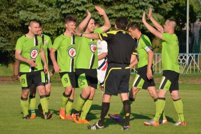 Piłkarze Sokoła Sokolniki wygrali 3-0 z ŁKS-em Łowisko i wywalczyli awans do 4 ligi podkarpackiej. Była to ostatnia kolejka rozgrywek klasy O Stalowa Wola.