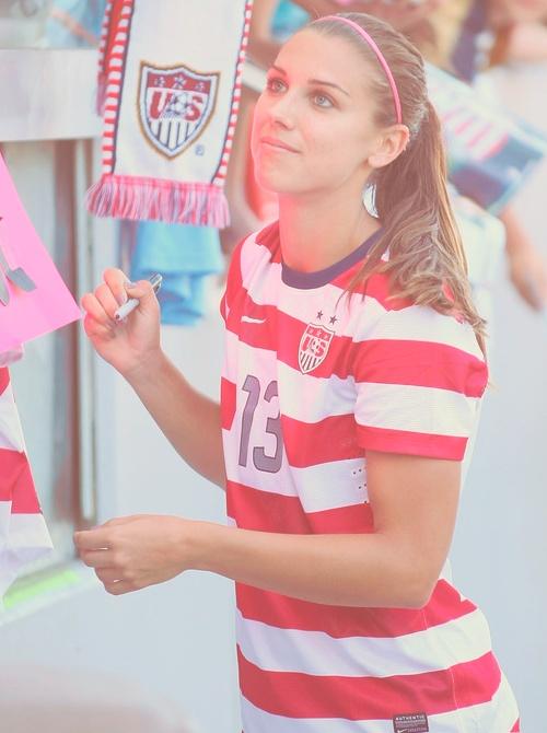 Alex Morgan!!!! Love girls that can play soccer