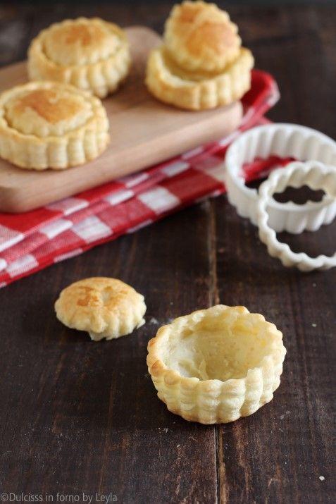 Come fare i vol au vent di pasta sfoglia ricetta passo passo Dulcisss in forno by Leyla