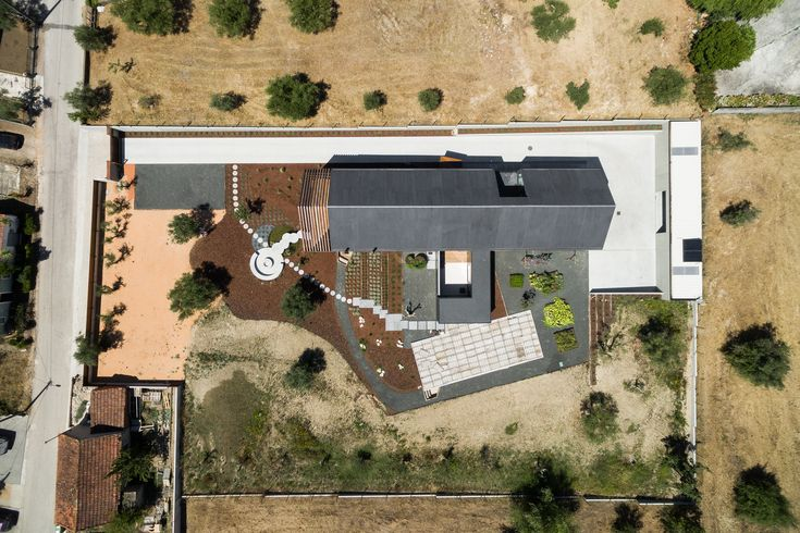 """A """"Casa em Ourém"""", Portugal, 'desenhada' por crianças - Bons Rapazes"""