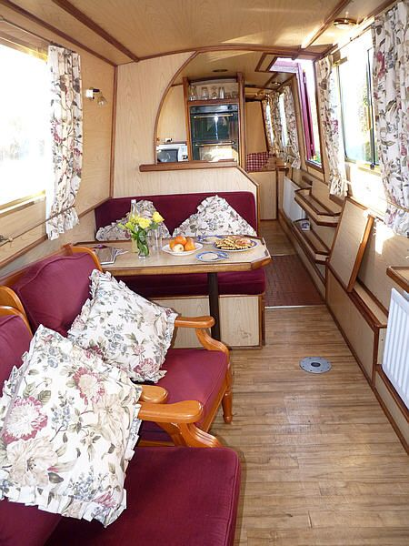 ashby boat company, willoughby, narrowboat hire, countryside canal boat holidays, cruising inland waterways, in a narrow boat