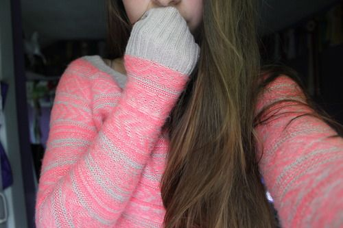 What a really cute sweater :) ❤❤