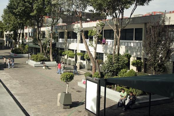 La esencia de una universidad la constituyen sus alumnos y profesores, y son ellos quienes dan vida a Campus Marina Nacional.