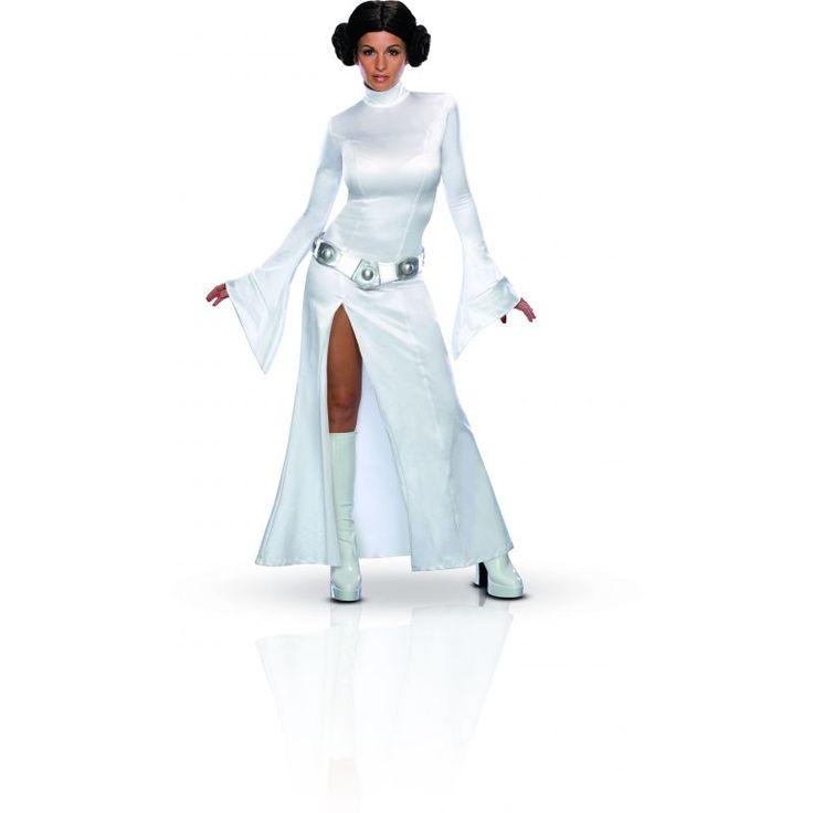Ce déguisement de la princesse Leia sous licence officiel Star wars™ comprend robe, ceinture, perruque. Disponible en taille S, M ou L. La robe est en tissu polyester blanche, elle est légèrement fendue sur le côté. La ceinture est en latex de couleur arg