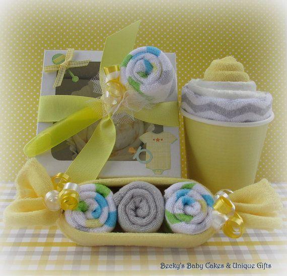 Neutrale Onesie Cupcake Gift Set washandje door BeckysBabyCakesandUn