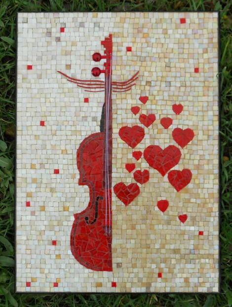 """Tableau mosaique """"Violon Coeurs"""", pâtes de verre et émaux vénitiens - support et cadre bois : Mosaiques par martine-jacquot-mosaique"""