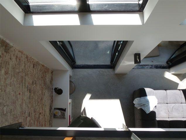 Vide ontworpen om via de grote ramen in de achtergevel extra daglicht in de woonkamer te onthalen | BNLA architecten.