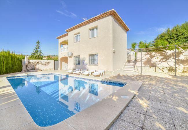Magnifique Villa A Calpe Avec Deux Piscines Privees Situee A Calpe