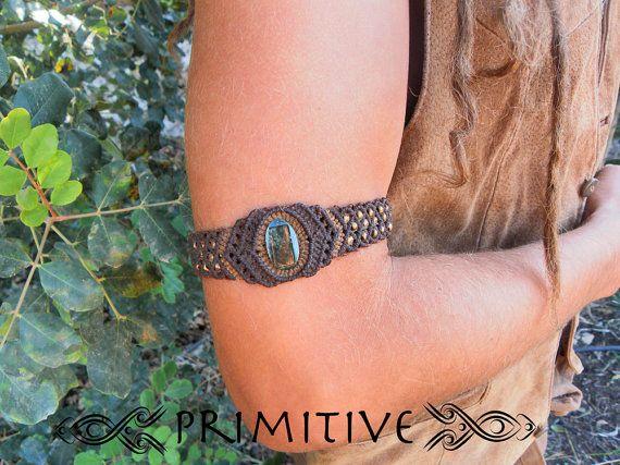 Hada Tribal Macrame pulsera con piedra fósil de Coral y perlas de latón