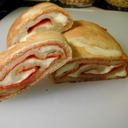 Easy Pepperoni Bread by cookingtipoftheday