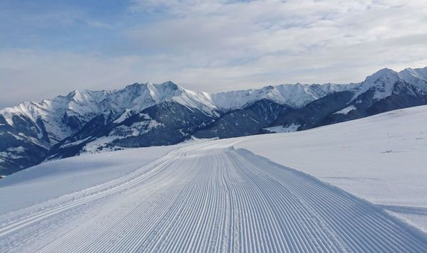 Langlaufloipe in Vattiz, Val Lumnezia, Schweiz