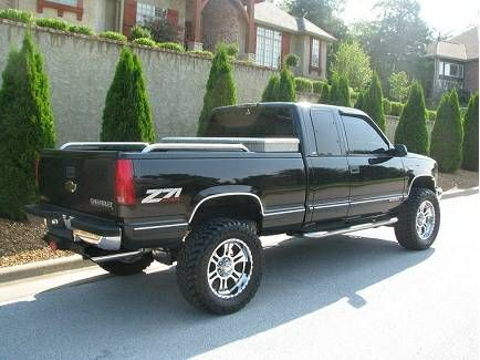 Is Available 1998 Chevy Silverado 1500-z71 (Puyallup) $1500