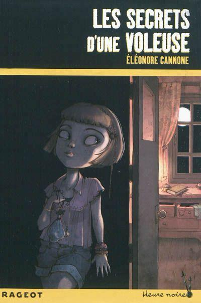 """Avis des élèves :  """"Les secrets d'une voleuse : ce livre est passionnant et garde bien le suspense. J'ai beaucoup aimé."""" Amandine 6ème """"J'ai bien aimé les secrets d'une voleuse car il y a beaucoup d'action, il était passionnant ; les personnages étaient vraiment supers"""". Emma 6ème"""