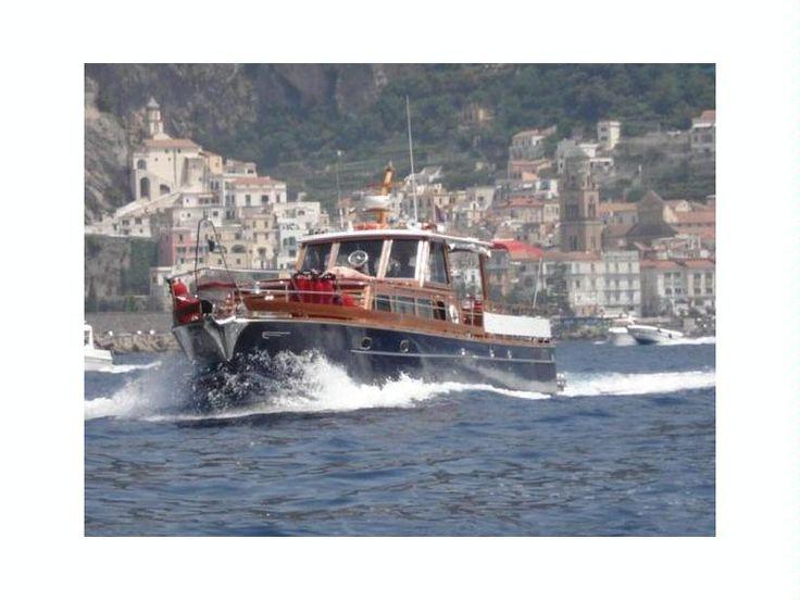 Barche a motore dell' anno 1960 di 16,50m di lunghezza in Italia(Italia)
