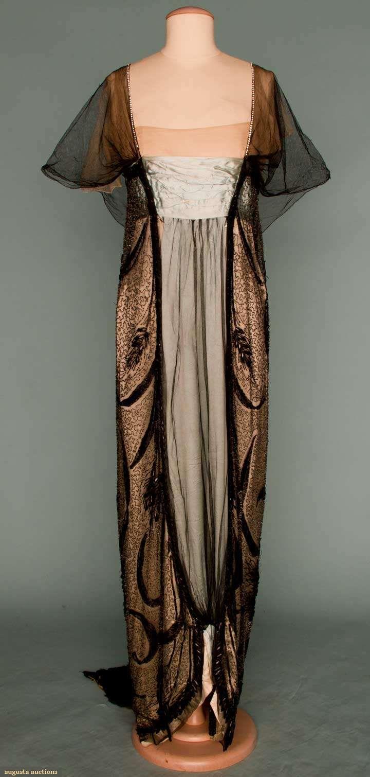 Worth evening gown, Paris, circa 1912.