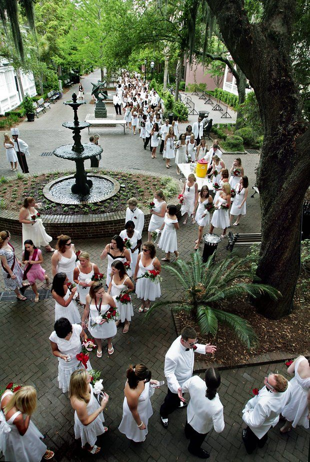 College of Charleston: at graduation the graduating class all wears white. #southerntraditon