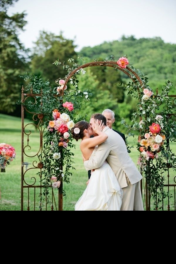 simple outdoor wedding ideas for summer%0A Stunning Wedding Arches  How to DIY or Buy Your Own