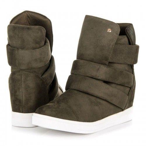 Dámské kotníkové boty Hadiya zelené – zelená Tyto skvělé kotníkové boty jsou fantastické na nošení během chladné sezóny. Především proto, že udrží vaše nohy v suchu a v bezpečí. Tenisky se zapínají pomocí zipu a …