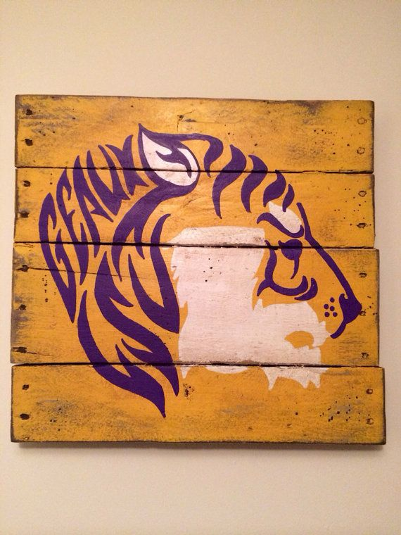 LSU Tigers Wall Hanging by PalletsandPaint on Etsy, $40.00! This Wil go great in my house divided office.