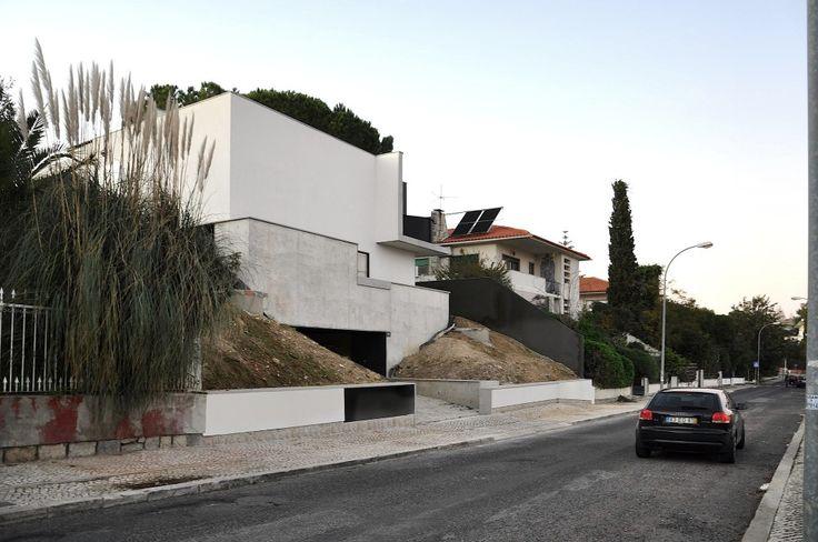 House Rehabilitation in Oreiras / Ventura Trindade Arquitectos