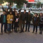 Ceyhan'da CHP'li gençler 'HAYIR' için alanları boş bırakmıyor.