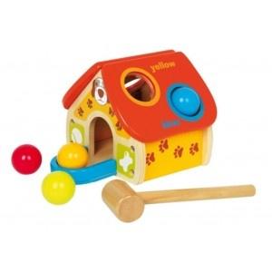 Een actief uitdagend Houten #hamerspel van gekleurde ballen. Een grote uitdaging voor de kinderen en het ontwikkelen van hun motoriek. Hard slaan om de ballen door de gaten te krijgen, waarna de gekleurde #ballen door het huis rollen en aan de voorzijde te voorschijn komen. #speelgoed