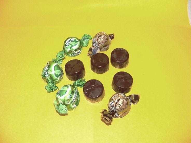Trufas deliciosas em chocolate meio amargo ou ao leite. <br>45 gramas do mais puro recheio. <br>Sabores: nozes, nutella, limão, cereja,brigadeiro, paçoquinha, côco, tradicional, maracujá, morango. <br>PEDIDO MÍNIMO DE 20 TRUFAS.