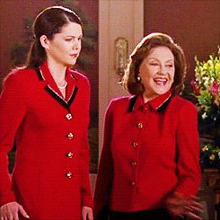 8. Kelly Bishop got the role of Emily Gilmore almost immediately after her audition. Amy Sherman-Palladino knew right when Kelly walked in that she was perfect for the part.