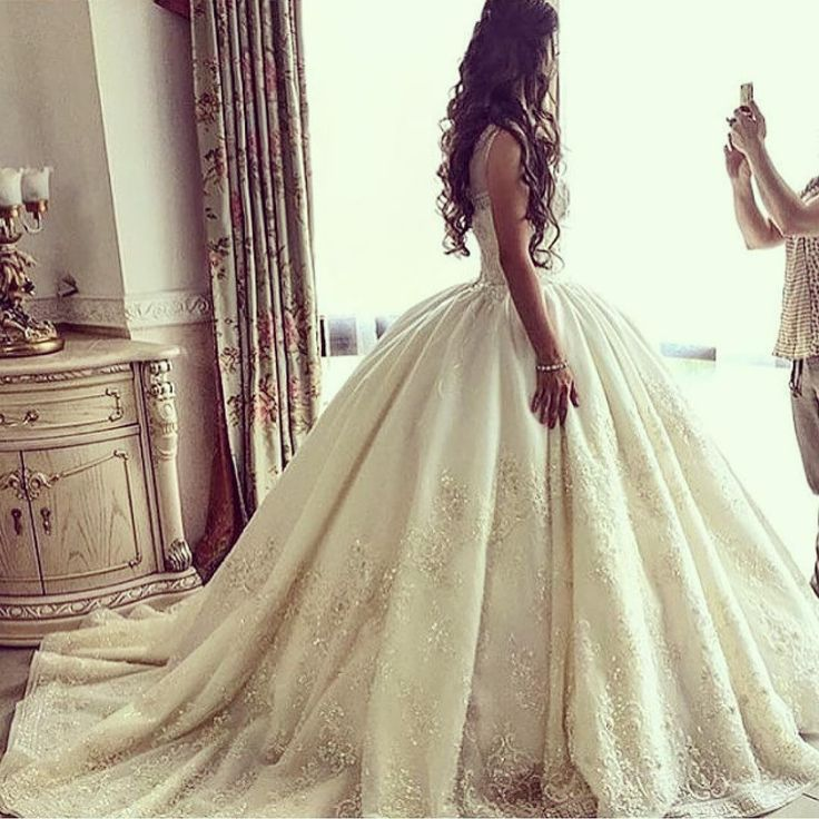 I never thought I wanted a ballroom gown (fat chance I'll ever find true love and ever have a wedding and Happily Ever After) but THIS GOWN would change my mind in a heartbeat!!!  It sucks have feelings for another lesbian who doesn't agree with same sex marriage