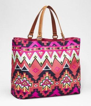 awesome beach bag: Colour Bags, Fashion Compass, Summer Beaches, Prints Totes, Aztec Prints, Colors Prints, Summer Bags, Beaches Bags, Tribal Patterns