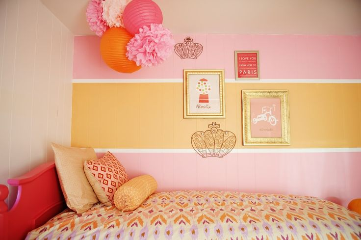Orange and pink accent wall - what a fab #biggirlroom!Colors Combos, Room Colors, Girls Bedrooms, Kids Room, Girls Room, Colors Schemes, Gallery Wall, Bold Colors, Accent Wall