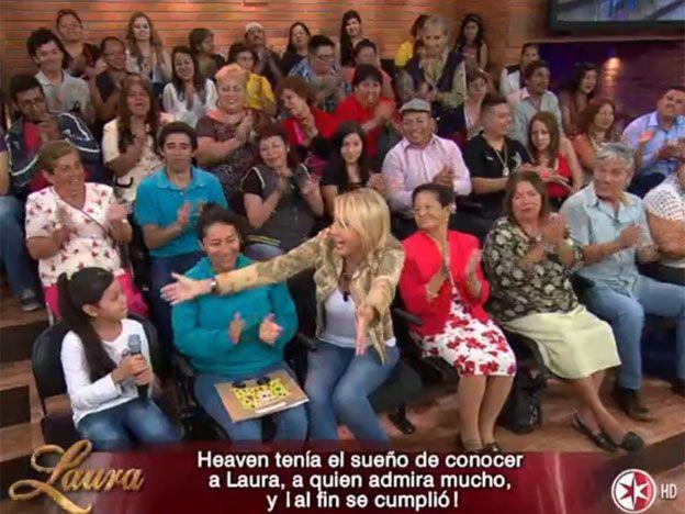 Una niña originaria de Guadalajara, llegó hasta el programa para cantar a Laura canción que ella y su madre compusieron.