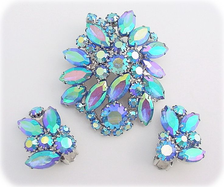 Vintage Costume Jewelry Makers 53