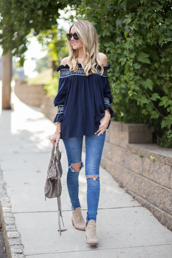 Off-The-Shoulder Transitional Outfit For Fall
