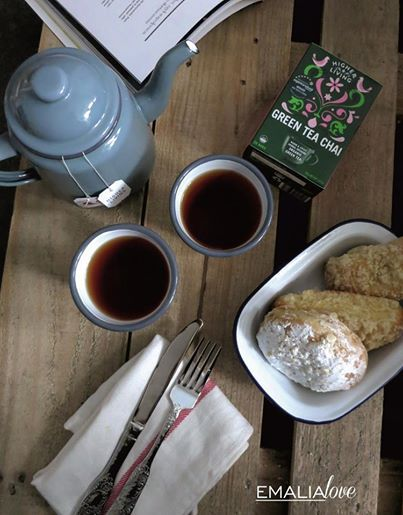 Good Morning Friday with delicious #HigherLiving Green Tea Chai and stylish #FalconEnamelware