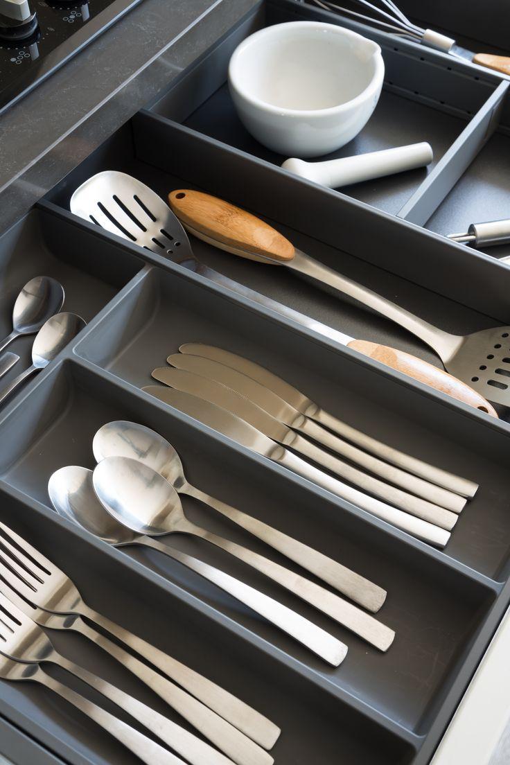 kuchenmobel top tip : Blum Legrabox Drawer in Orion Grey with internal Cutlery Organiser ...