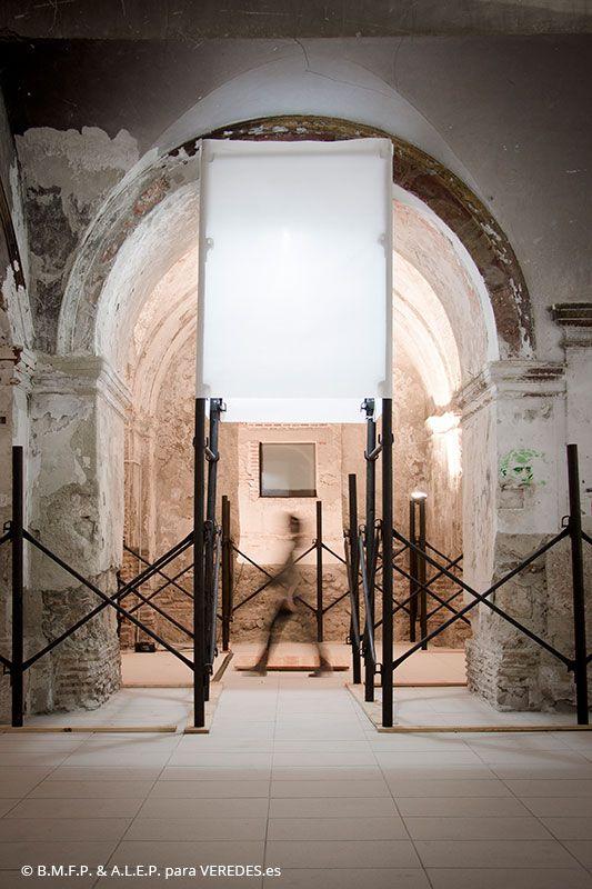 El proyecto es un montaje de andamios, en la antigua iglesia de San Jerónimo de Baza, que funcionan como soporte para exposiciones y protección de los revestimientos, que noestántratados todavía (solo le ha podido llevar a cabo la primera fase de la rehabilitación,de la quellevábamosla dirección de obra en el estudio). La idea surge al …