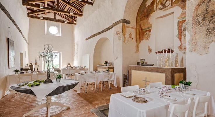 Nikis Resort in the heart of Umbria near Perugia is perfect place for you holiday or wedding