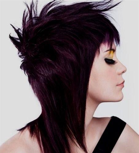 Wellenförmige süße Haarschnitte für Mädchen: Die Wellen bleiben immer im Trend. Dies ist die am besten geeignete Frisur für fast alle Arten von Gesichtern. Es ist egal, ob Sie ein rundes, ovales oder #acconciaturesposa #capellicortissimi #capellicortidonne #capellicortiricci #acconciaturecapellilunghi #acconciature #capellicorti #acconciaturecapellicorti #capellicorti2018 #acconciaturesposa2019