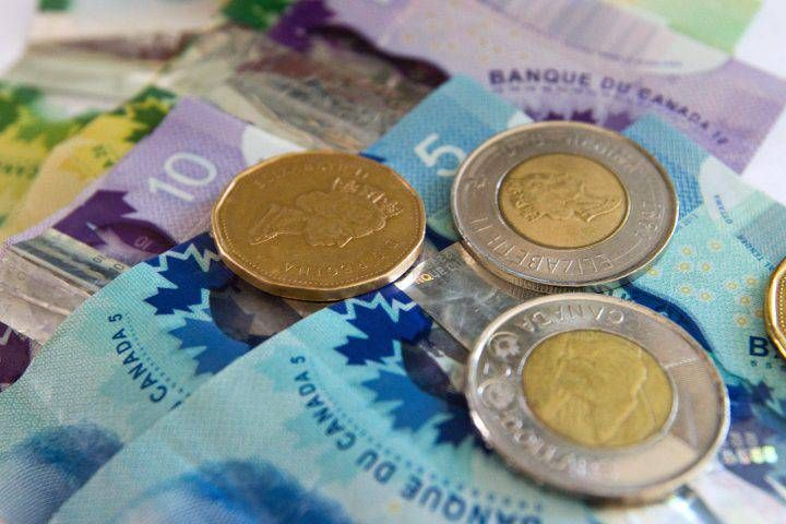 02/08/2018 - BUSINESS REPORT: The Canadian dollar is one of the worst performers when markets go wild