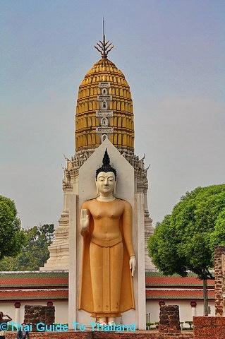 Phra Attharos at Wat Phra Sri Rattana Mahathat in Phitsanulok, Thailand