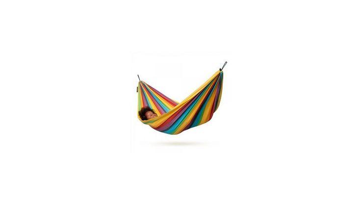 În hamacul Iri, copiii vor găsi relaxarea de care au nevoie pentru joc și visare Leganatul usor stimulează simțul echilibrului, promovând astfel dezvoltarea copilului dumneavoastră  https://mogonel.ro/hamac-copii-iri-rainbow  #hamac #copil #vara #soare