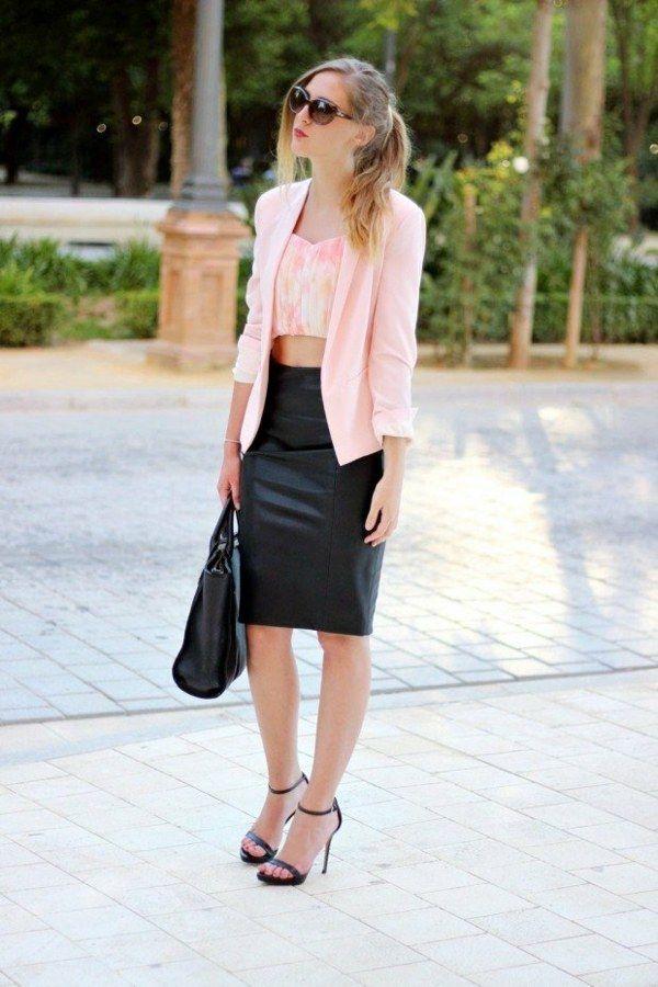 Les 25 meilleures id es de la cat gorie jupes crayon en cuir sur pinterest jupe en cuir jupes - Tenue avec jupe en cuir ...